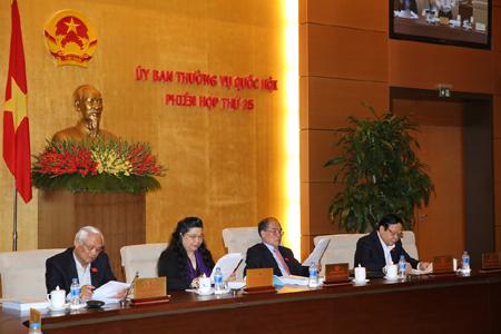UBTVQH bàn thảo dự luật Trưng cầu ý dân