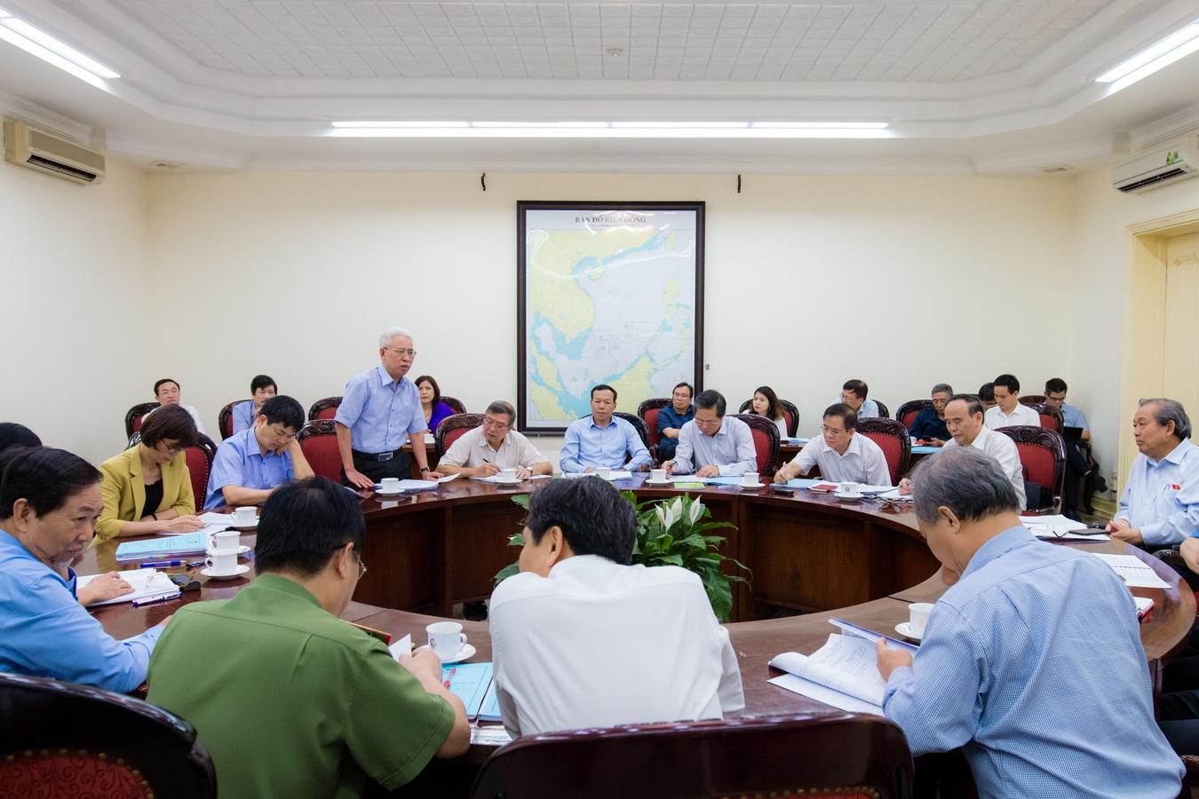 Phó Thủ tướng Thường trực Trương Hòa Bình làm việc với Hội Luật gia Việt Nam về công tác chuẩn bị tổ chức Đại hội đại biểu toàn quốc lần thứ XIII (2019-2024) - Ảnh 2