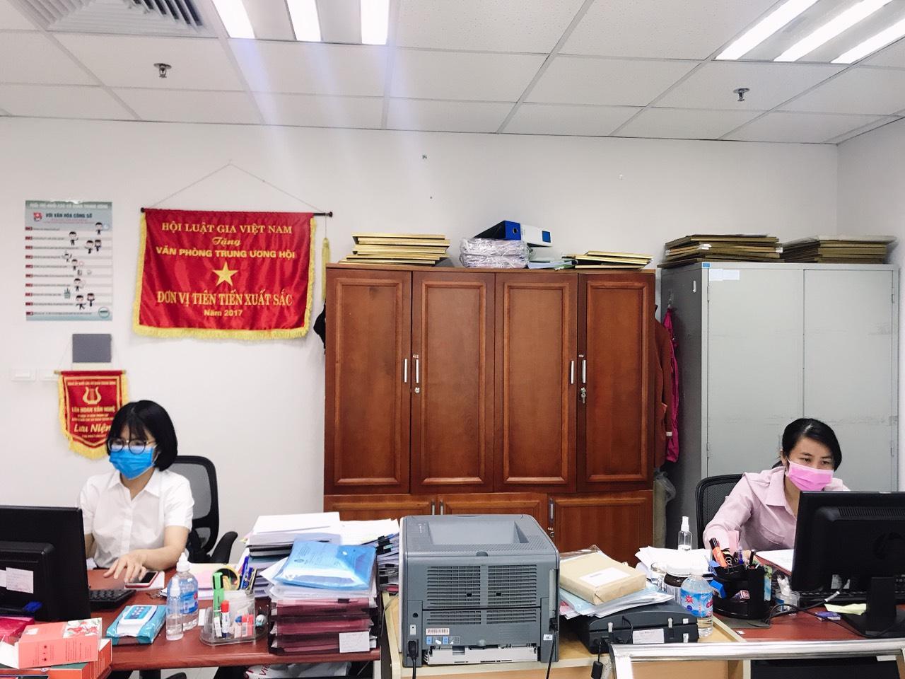 Tăng cường các biện pháp phòng, chống dịch Covid-19 tại Trụ sở cơ quan Trung ương Hội Luật gia Việt Nam - Ảnh 1