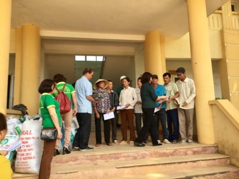 Trung tâm Tư vấn pháp luật cho người Chưa thành niên tổ chức cuộc vận động và ủng hộ người dân bị mưa lũ tại tỉnh Thanh Hóa.