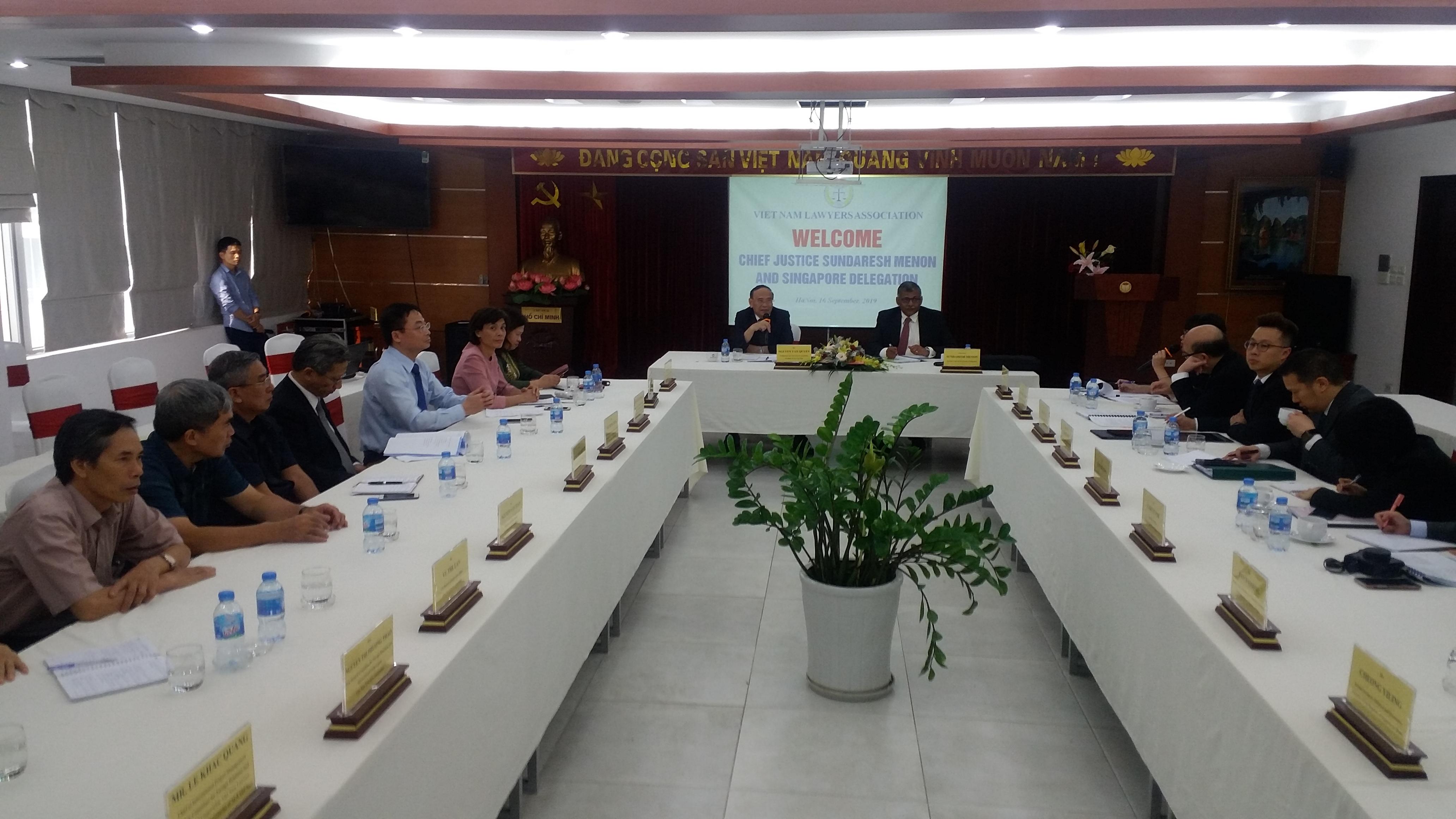 Chủ tịch Hiệp hội Luật các nước ASEAN (ALA), Chánh án Tòa án tối cao Singapore Sundaresh Menon dẫn đầu Đoàn đại biểu ALA thăm và làm việc với Uỷ ban ALA quốc gia Việt Nam và Hội Luật gia Việt Nam