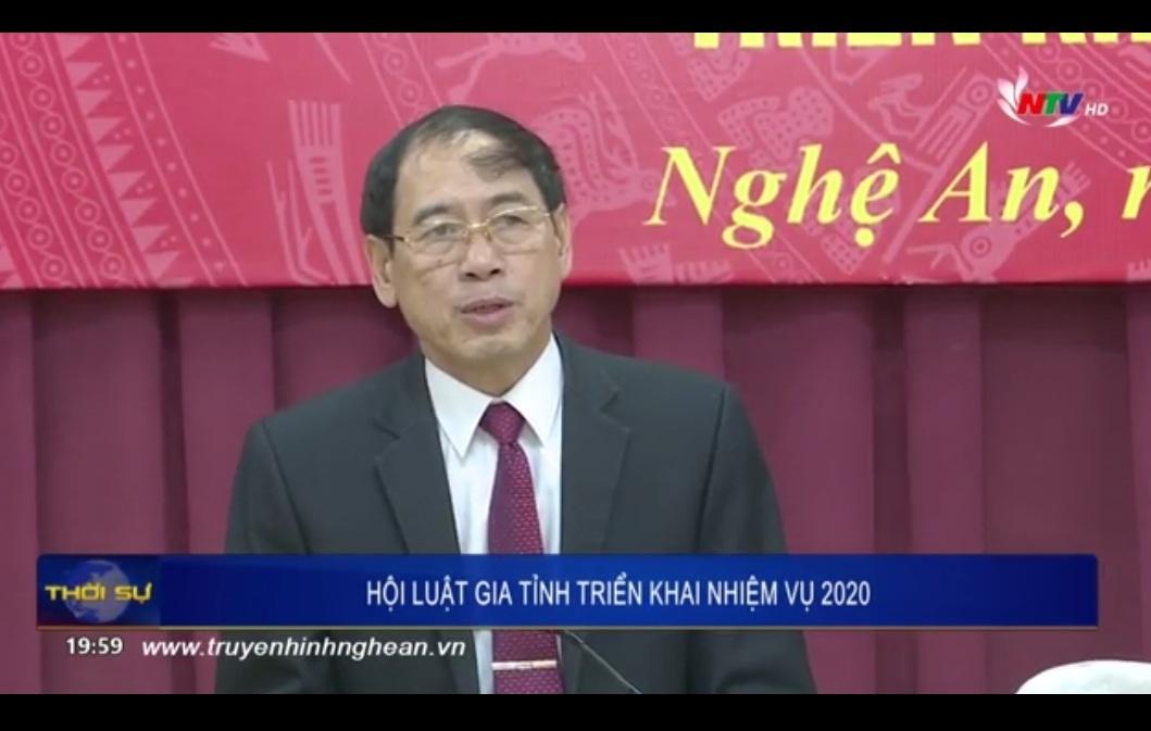 Hội Luật gia tỉnh Nghệ An được tặng Cờ thi đua hoàn thành xuất sắc nhiệm vụ năm 2019 của Hội Luật gia Việt Nam và Chủ tịch UBND tỉnh Nghệ An.